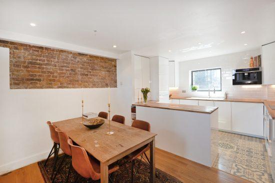 riverside-loft-rotherhithe-street-SE16-dining-room-kitchen