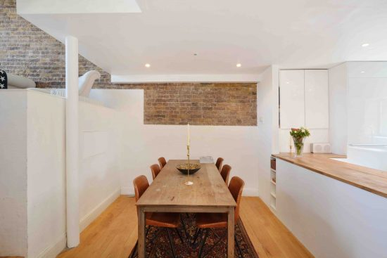 riverside-loft-rotherhithe-street-SE16-dining-room