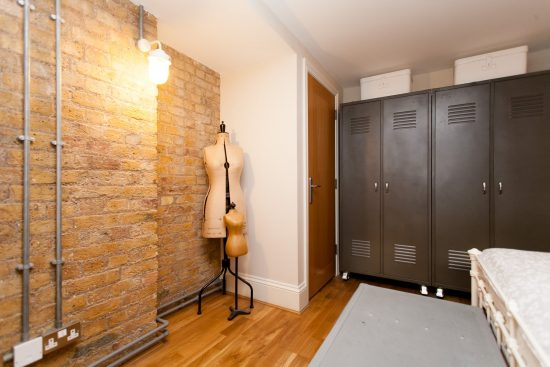 storage-warehouse-conversion-two-bedroom-rotherhithe-street-se16-2