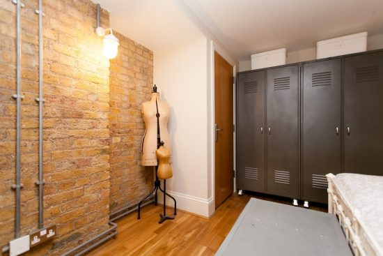 storage-warehouse-conversion-two-bedroom-rotherhithe-street-se16-2.jpg