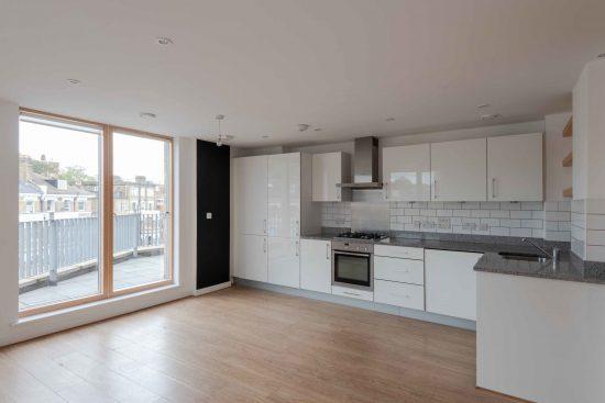 three-bedroom-apartment-green-lanes-n19-10.jpg